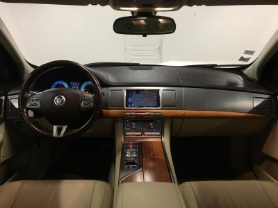 Jaguar XF 3.0i V6 238 cv Luxe BVA/